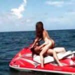 imagen Follando a una tia de la playa que con topless en la moto acuatica