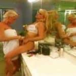 imagen Videos Vintage de una escena lesbiana con dos rubias madres