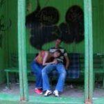imagen Video de sexo en publico en una parada de autobus
