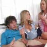 imagen Hija follando pillada por su madre