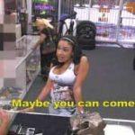 imagen se folla a una chica detras de la tienda