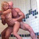 imagen xxpornoxx en la ducha con un tio cachas