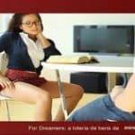imagen estudiante joven con gafas se folla al profe